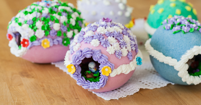 DIY Peek-A-Boo Eggs | Flour Arrangements
