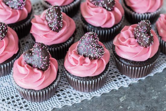 Raspberry Chocolate Cupcakes | Flour Arrangements