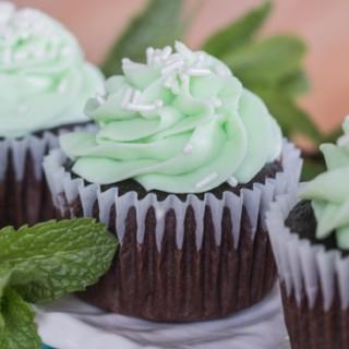 Grasshopper Cupcakes   Flour Arrangements