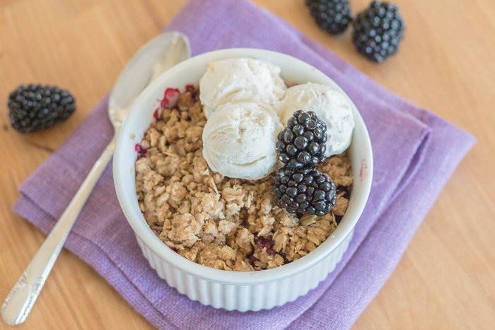 Easy Blackberry Crisp | Flour Arrangements