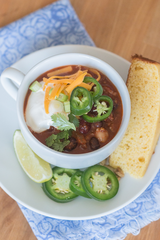 Bacon adds richness and smoked paprika imparts a deep, complex flavor to this easyBeef and Bean Chili. Serve it on its own or with rice, baked potatoes, or mac and cheese! This recipe produces a generous pot of chili, which makes it great for parties and leftovers.