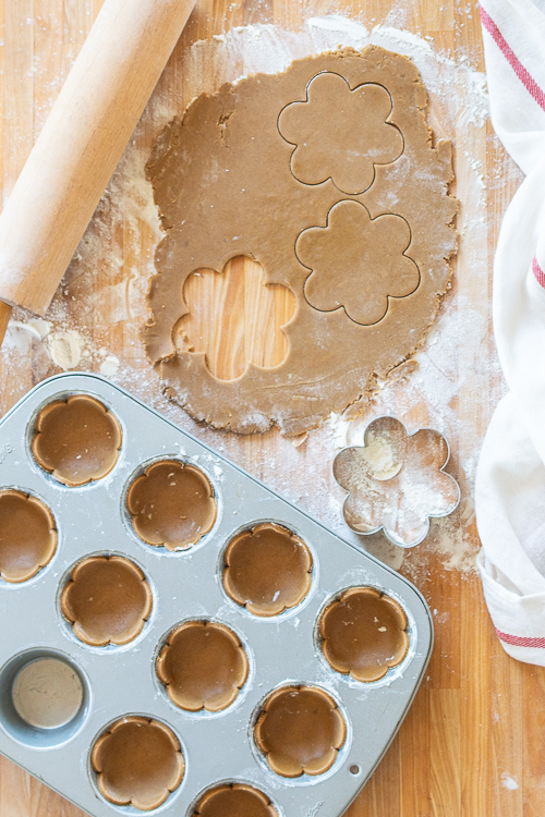 Gingerbread cookie cups for Mini Mandarin Tarts