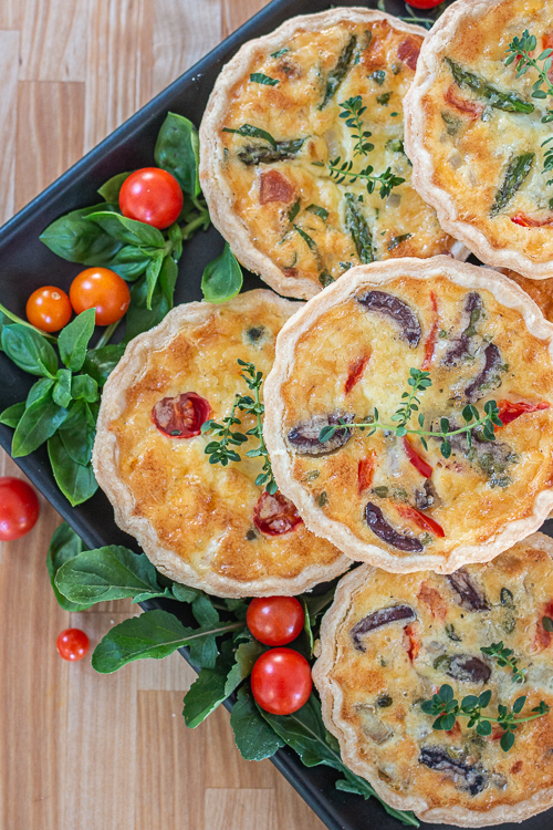 With endless filling options, this Mini Quiche Meal Bar offers delicious flavor combinations that will satisfy even the pickiest eaters.